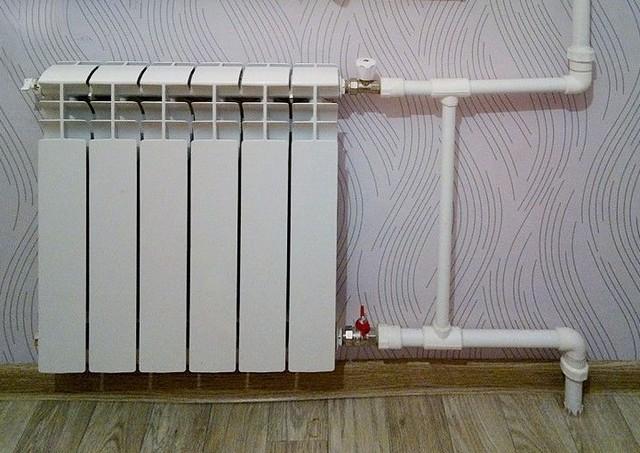 Радиаторный узел с термостатом.